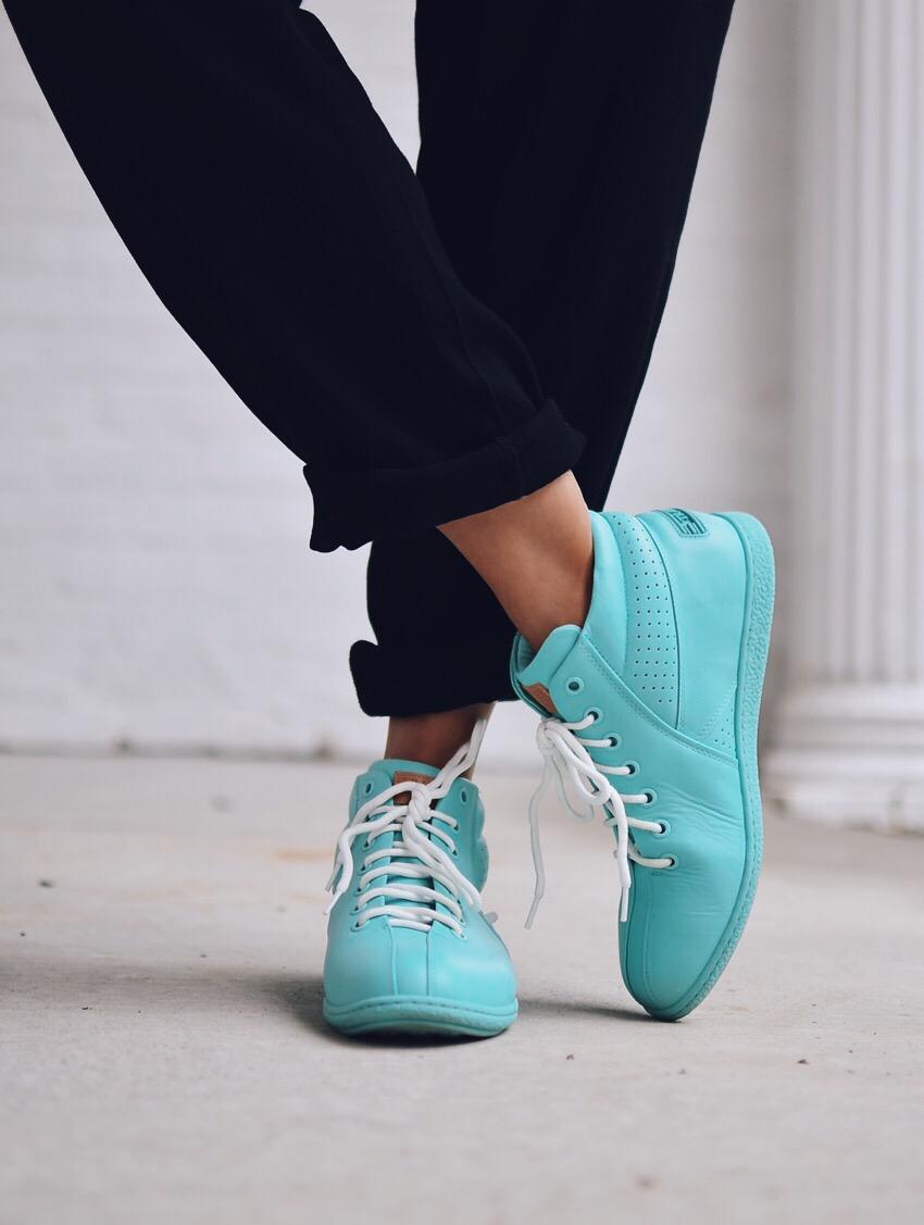 Travel Fox Sneakers