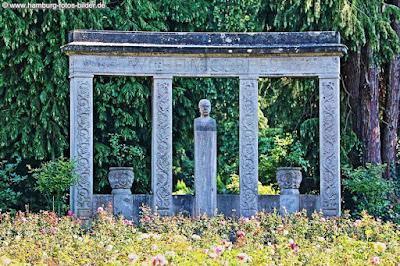 Cordes Denkmal im Rosengarten Friedhof Ohlsdorf