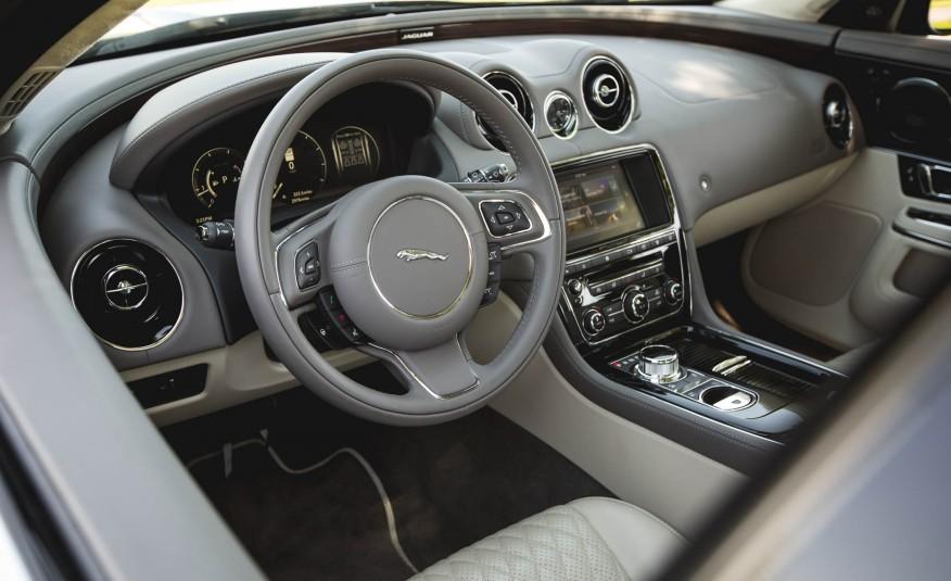 Đánh giá xe Jaguar XJ 2016