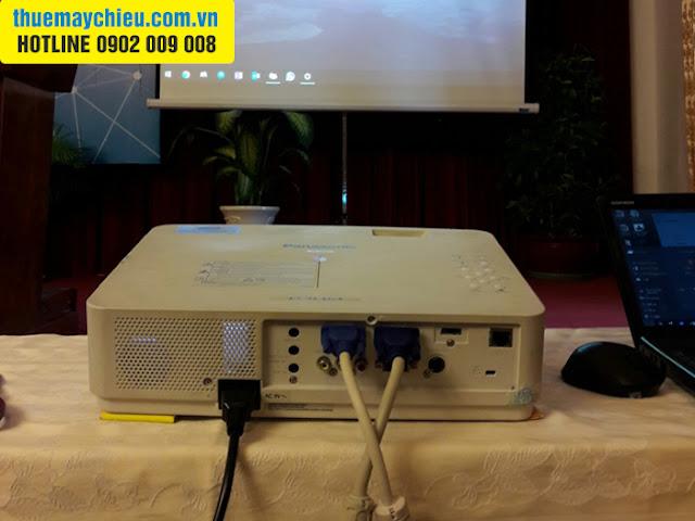 VNPC cho thuê máy chiếu có cổng VGA out phục vụ hội thảo