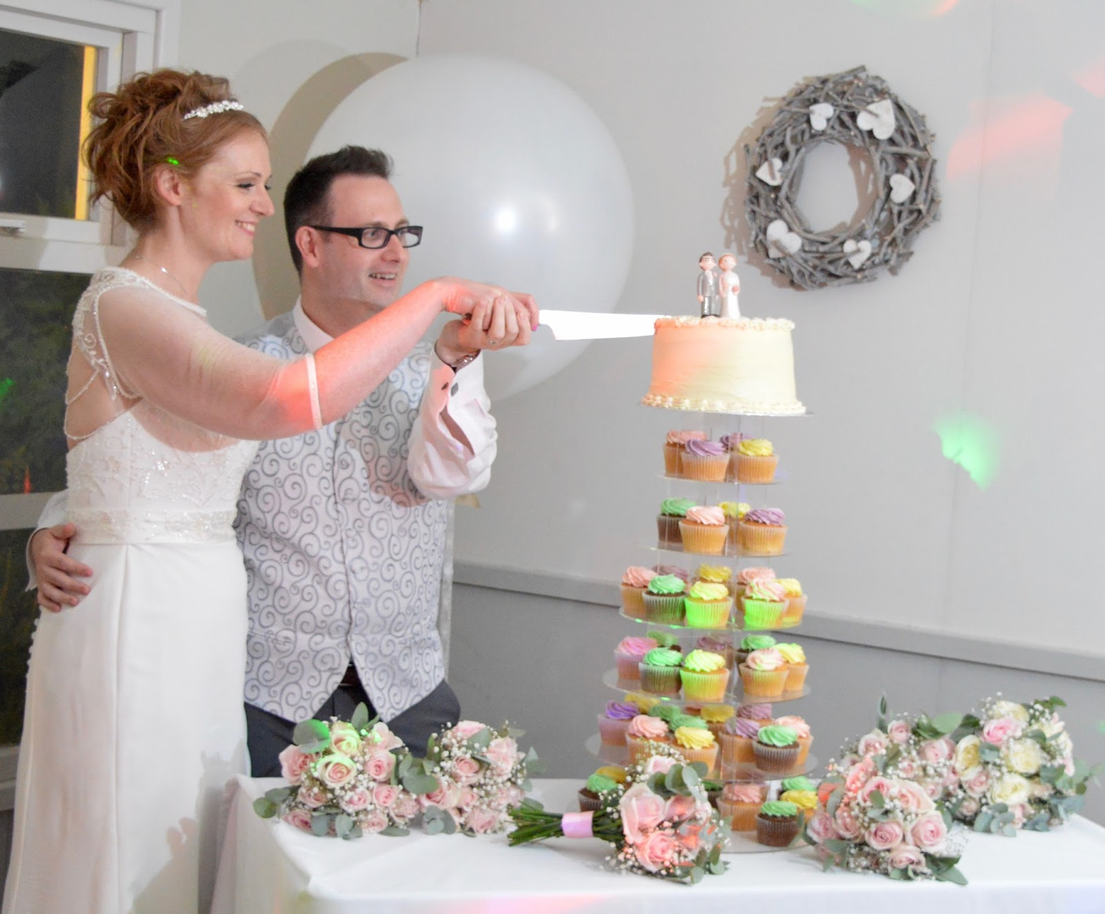 Weddings at The Parlour at Blagdon in Northumberland - cutting the cake