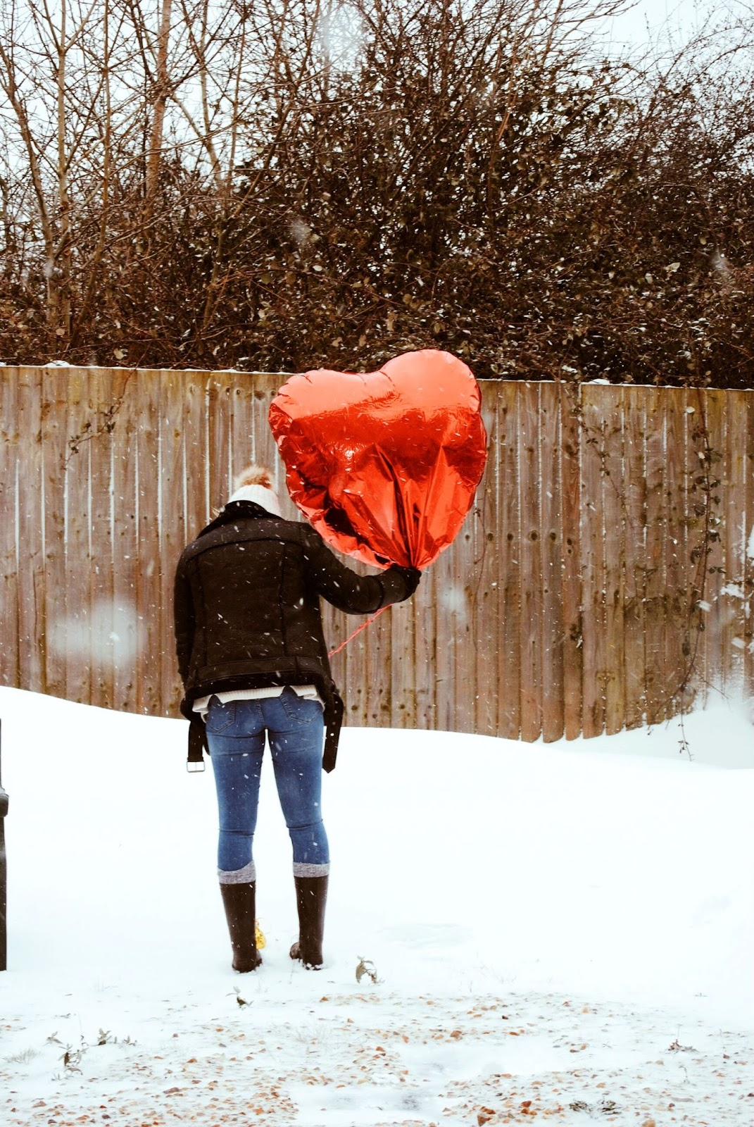99 red balloons go by snow day 2018 stormemma photography landscape red heart