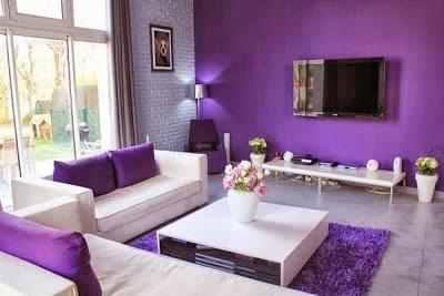 sala de color morado