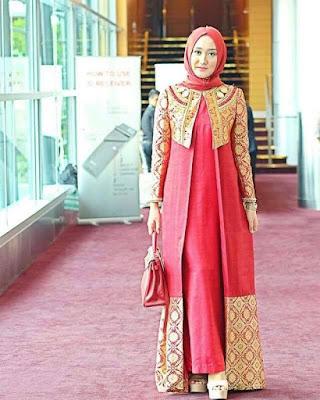 gambar baju pesta batik muslimah terbaru