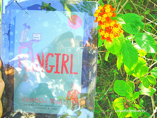 I am not a Fan, Girl | Fan Girl by Rainbow Lowell | A Book Review by iamnotabookworm!