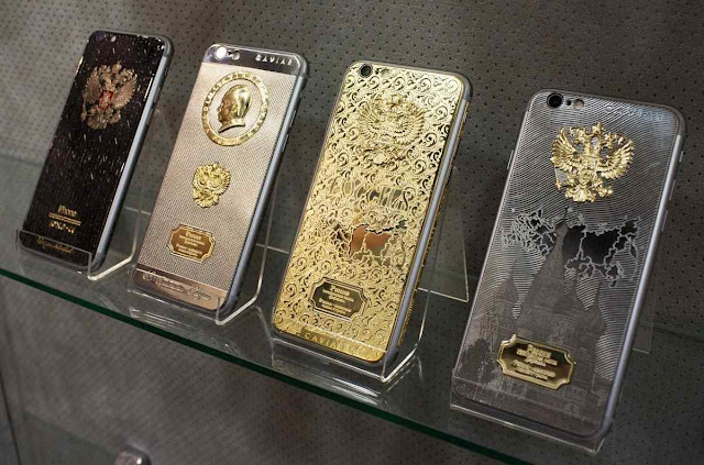 Iphones 6s folhados a ouro para homenagear 'Supremo Putin', modelos 2015.
