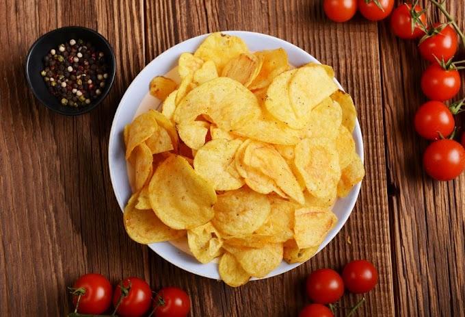 """Como fazer """"batata frita"""" no micro-ondas sem usar óleo"""