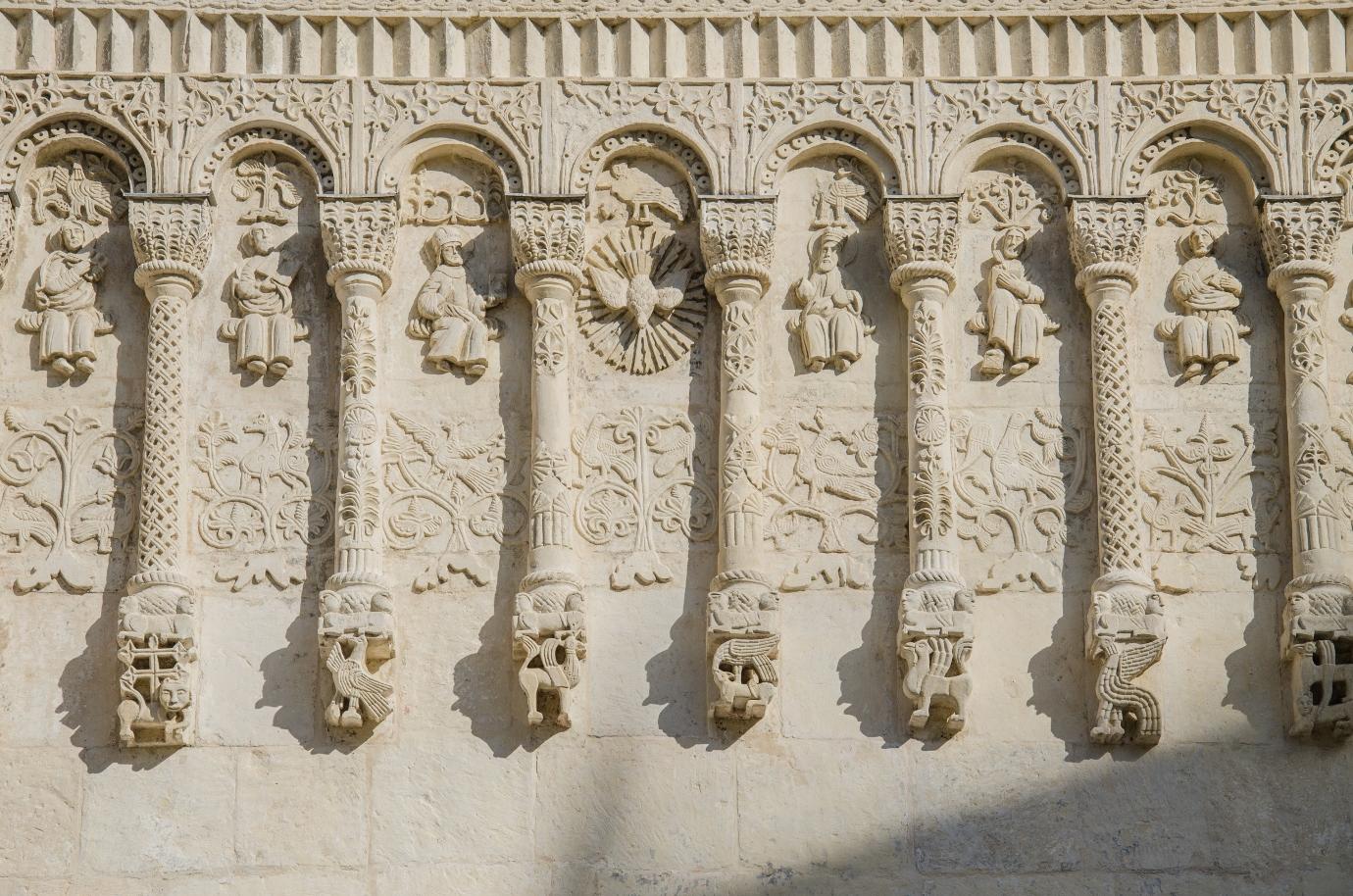 Рельеф Дмитриевского собора