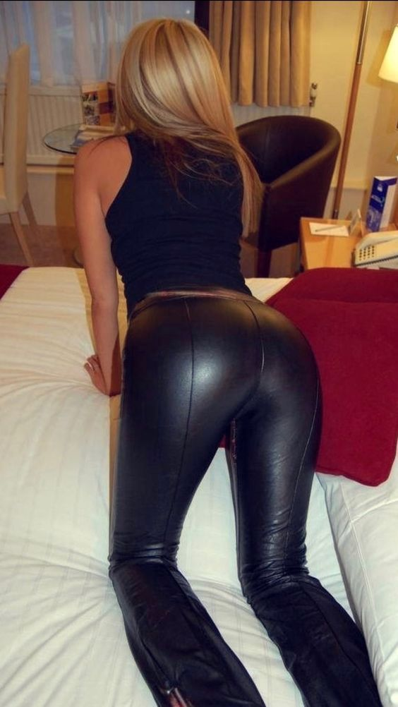 porngirl-in-leather-pants-nude