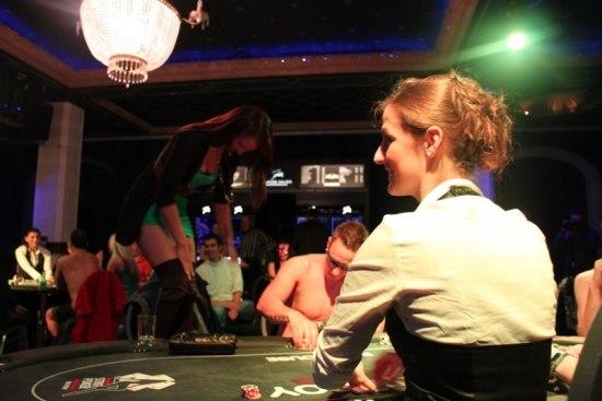 Extreame strip poker