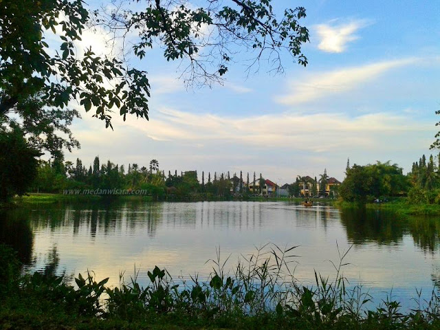 Danau di Taman Cadika Medan