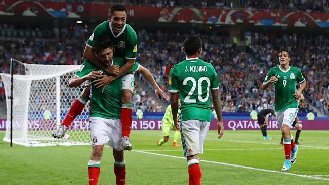 La selección mexicana celebra el gol de Oribe Peralta ante Nueva Zelanda en la Copa Confederaciones 2017