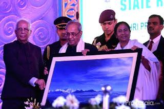 President Pranab Mukherjee in darjeeling with Mamata banerjee