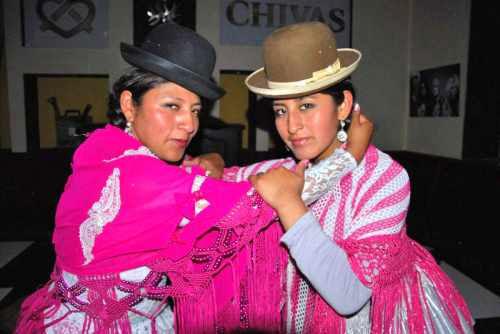 Cholitas de El Alto mostrarán su fuerza y destreza en el ring en Tarija