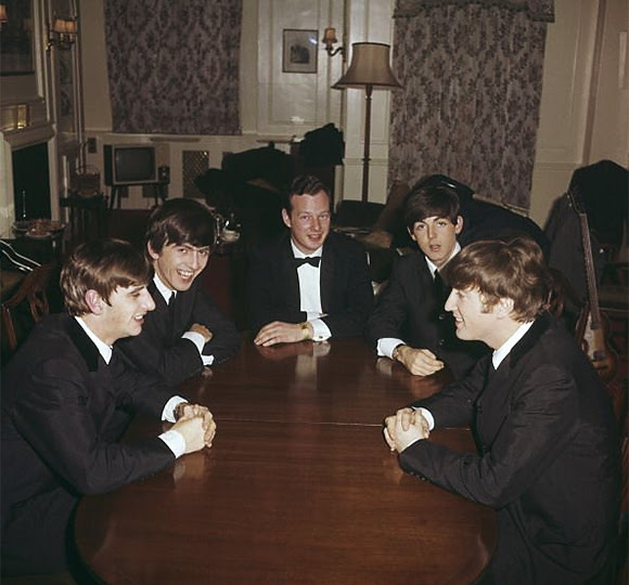 Tom Hanks produira un biopic sur Brian Epstein, manager des Beatles