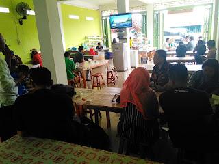 Suasana di Kong Djie Coffee