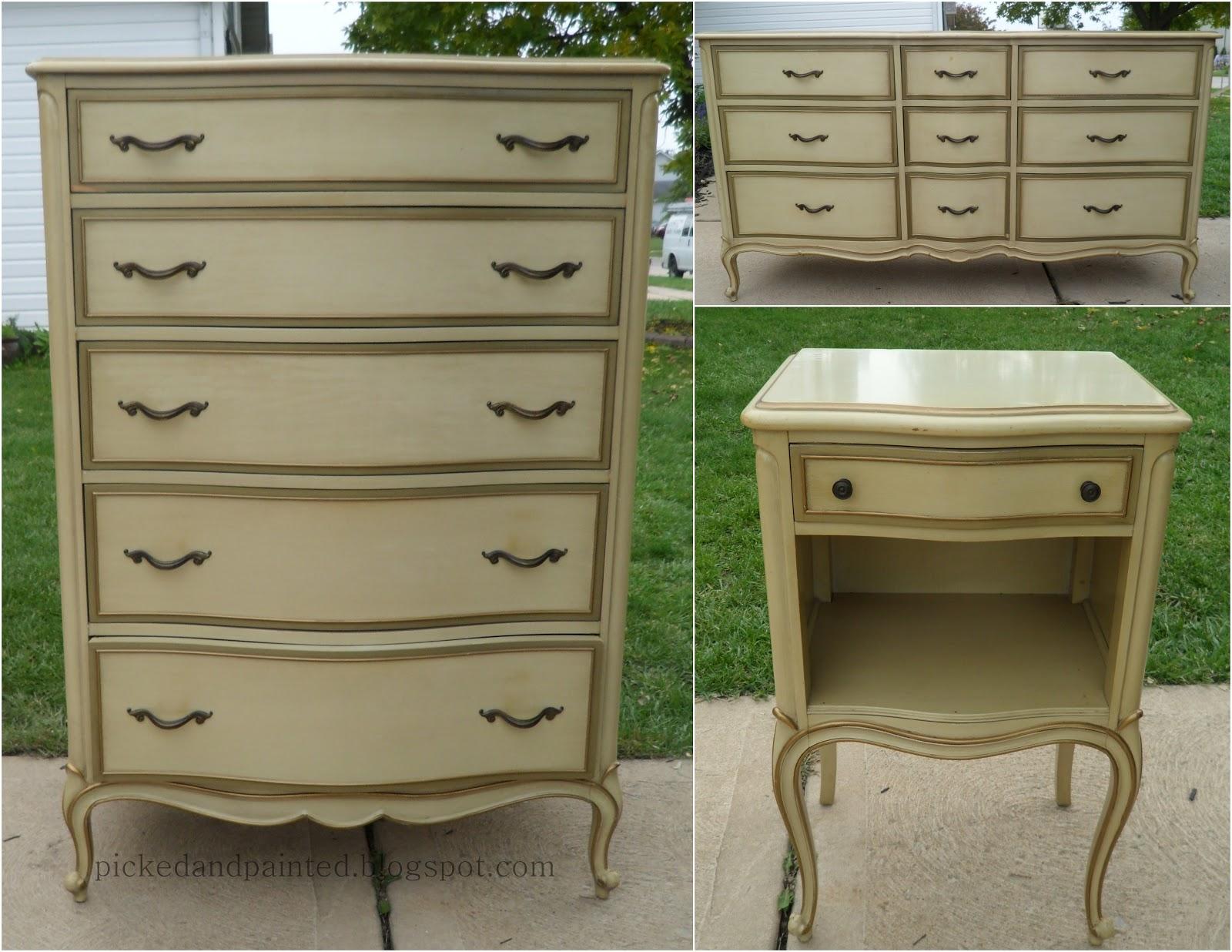 Antique Dresser With Mirror Decor