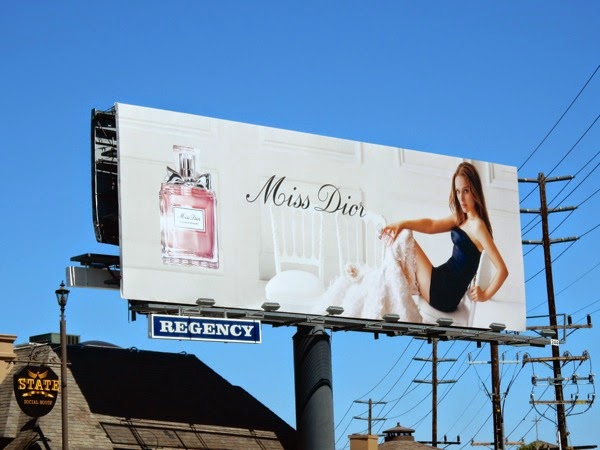 Natalie Portman Miss Dior Blooming Bouquet perfume billboard