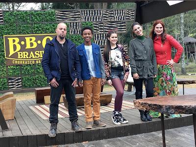 Tossi, Zeca, Juju Almeida, Chris Flores e chef Dahoui (Foto: Gabriel Gabe)