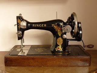 Preços baixos em Máquinas de Costura antigas | eBay