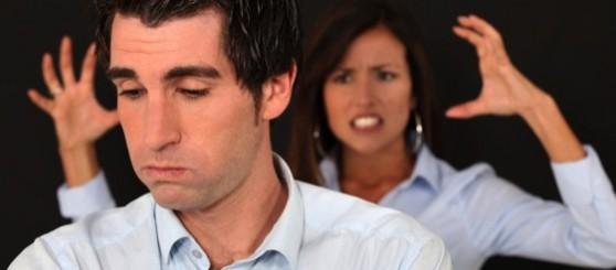 El no escuchar a la pareja trae con el tiempo consecuencias como la separación