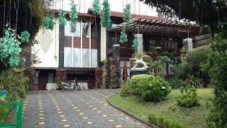 villa gartik untuk reuni di lembang