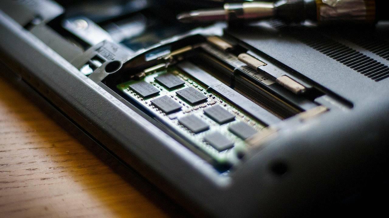 Cara Menambah RAM Laptop Agar Laptop Tidak Lemot
