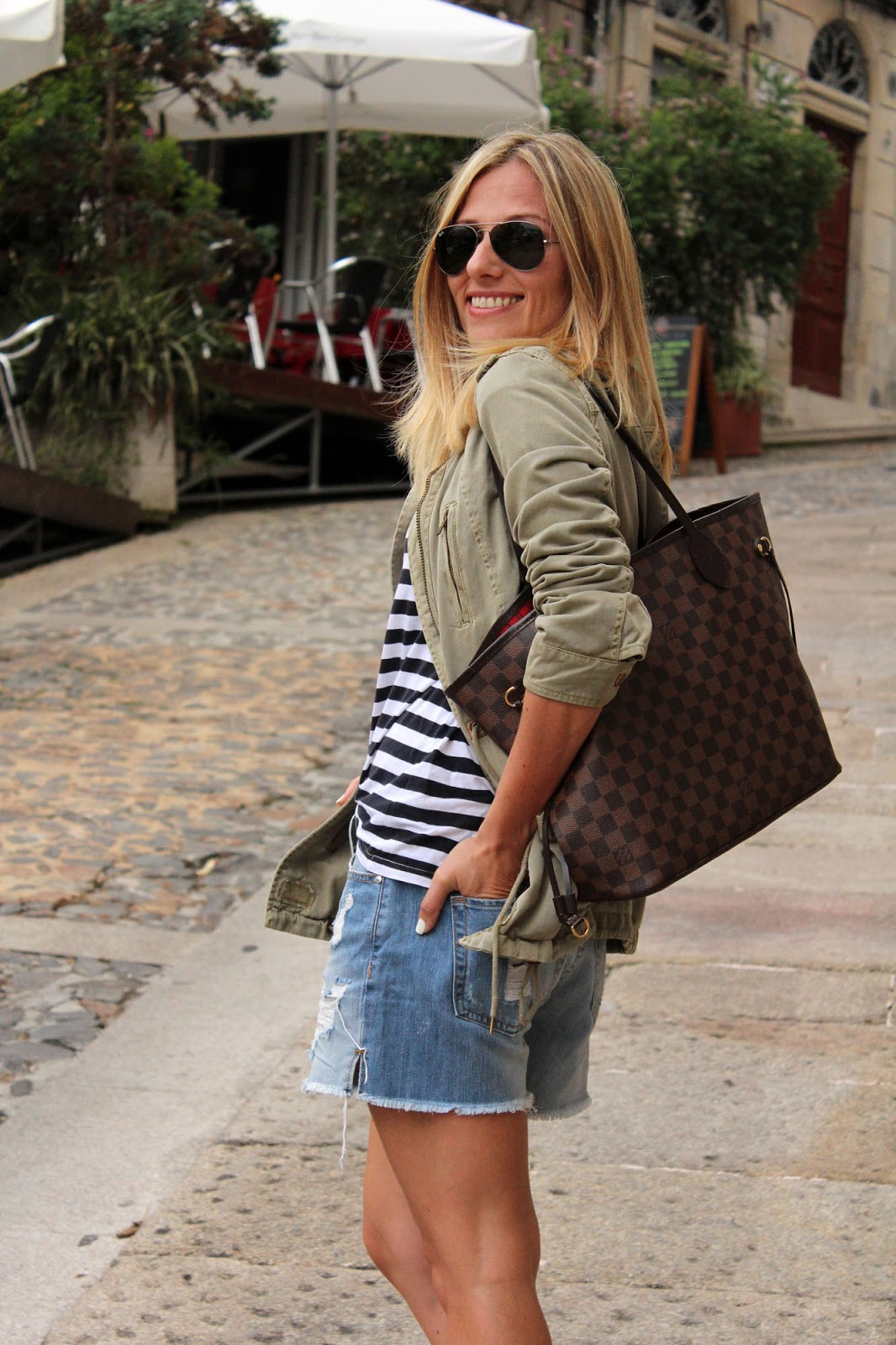 Eniwhere Fashion - Denim Shorts and Stripes shirt in Vigo
