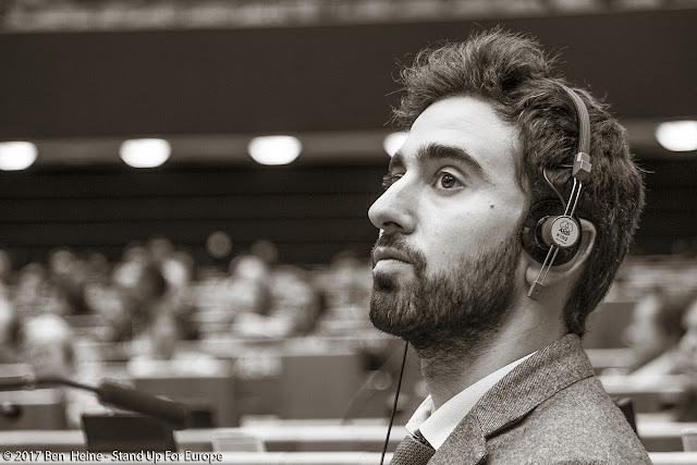 Pietro De Matteis - Stand Up For Europe - Students for Europe - Parlement européen - Photo par Ben Heine