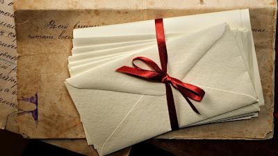 [Bild: letters_envelopes_ribbon_ink_paper_old_v...0x1080.jpg]