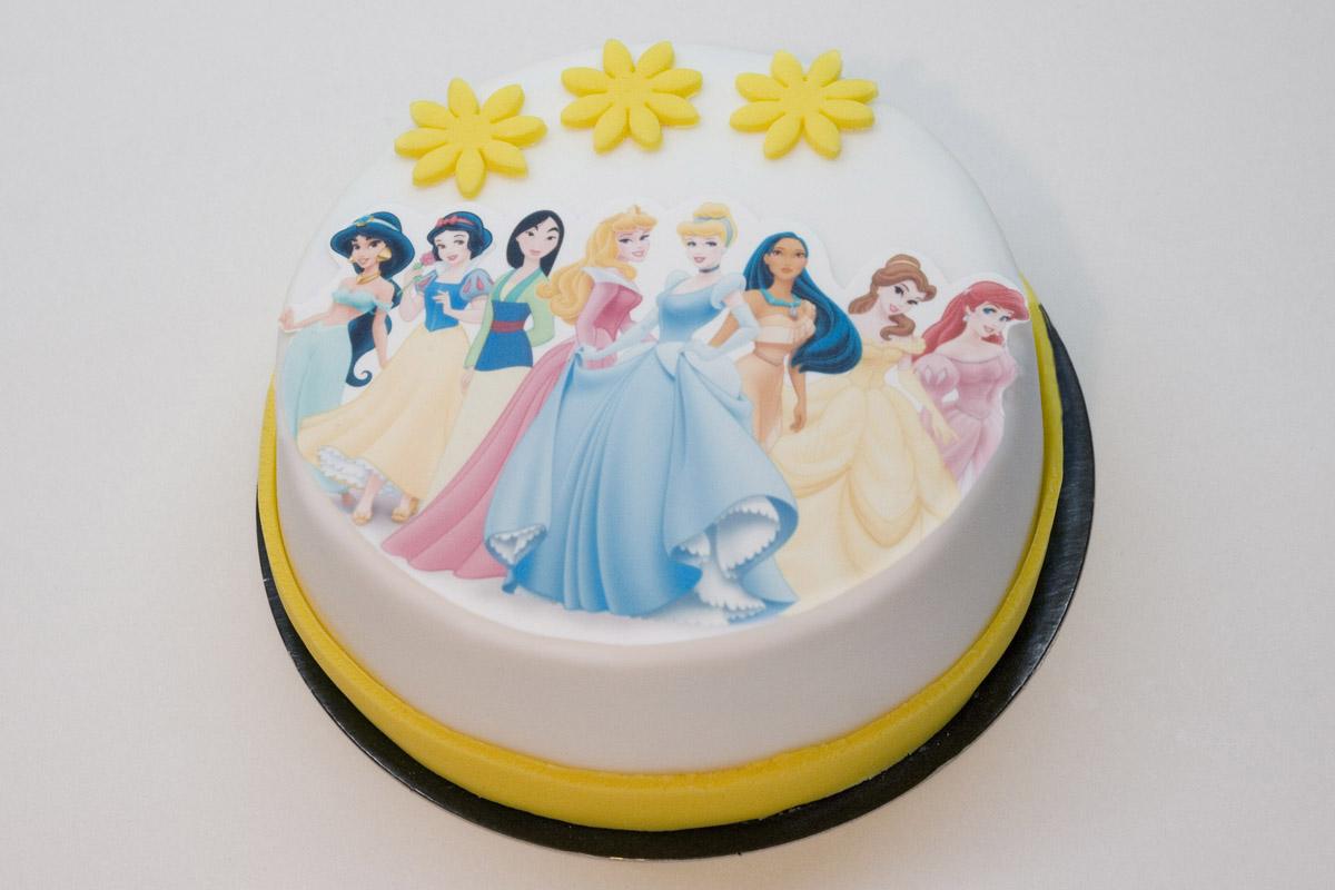 Tarta de fondant con oblea impresa de princesas Disney – Tastery d492a99900727