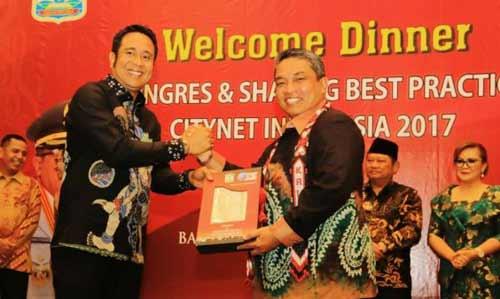 Walikota Banjarbaru H nadjmi Adhani resmi menyandang tugas sebagai wakil presiden Citynet Chapter Indonesia periode 2017-2021.  Hasil Kongres Citynet Indonesia dan Sharing Best Practice 4 Oktober 2017 di Balikpapan memutuskan ia mendampingi Bupati Sidoarjo yang didaulat sebagai Presiden Citynet.