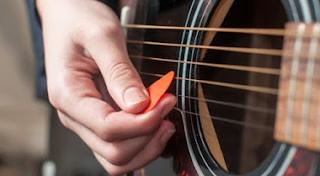 Tak Perlu Takut Dan Ragu Untuk Belajar Gitar