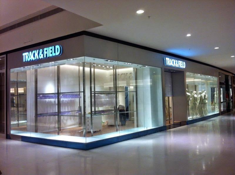 foto de montagem de loja em shopping sp