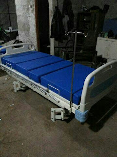 Tempat tidur rumah sakit di bandung