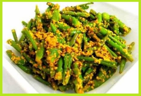 राजस्थानी हरी मिर्च का राई वाला अचार बनाने की विधि - Rajasthani Hari Mirch Ka Achar