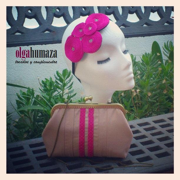 http://olgahumaza.blogspot.com.es/2013/07/a24-conjunto-beige-y-fucsia.html