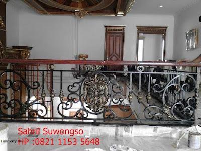 railing balkon klasik adalah untuk rumah mewah