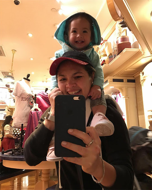 Ryan Agoncillo, Judy Ann And Their Children Enjoys Their Vacation On Disneyland! Check Their Cute Moments Here!