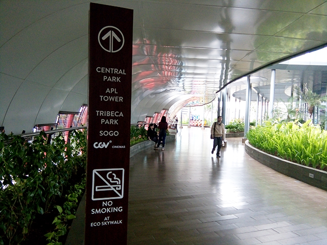 Eco Skywalk Spot Cantik Instagramable [at]  Neo Soho - Central Park