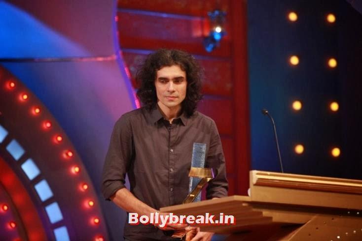 Imtiaz Ali received a trphy for Rockstar in 2012, Zee Cine Awards 2011-2013 Pics