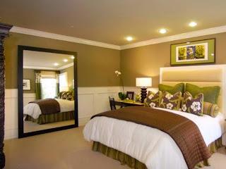 habitación verde marrón blanco