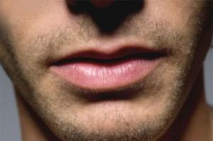 Rahasia Arti Kedutan Bibir Atas Yang Wajib Kamu TAHU