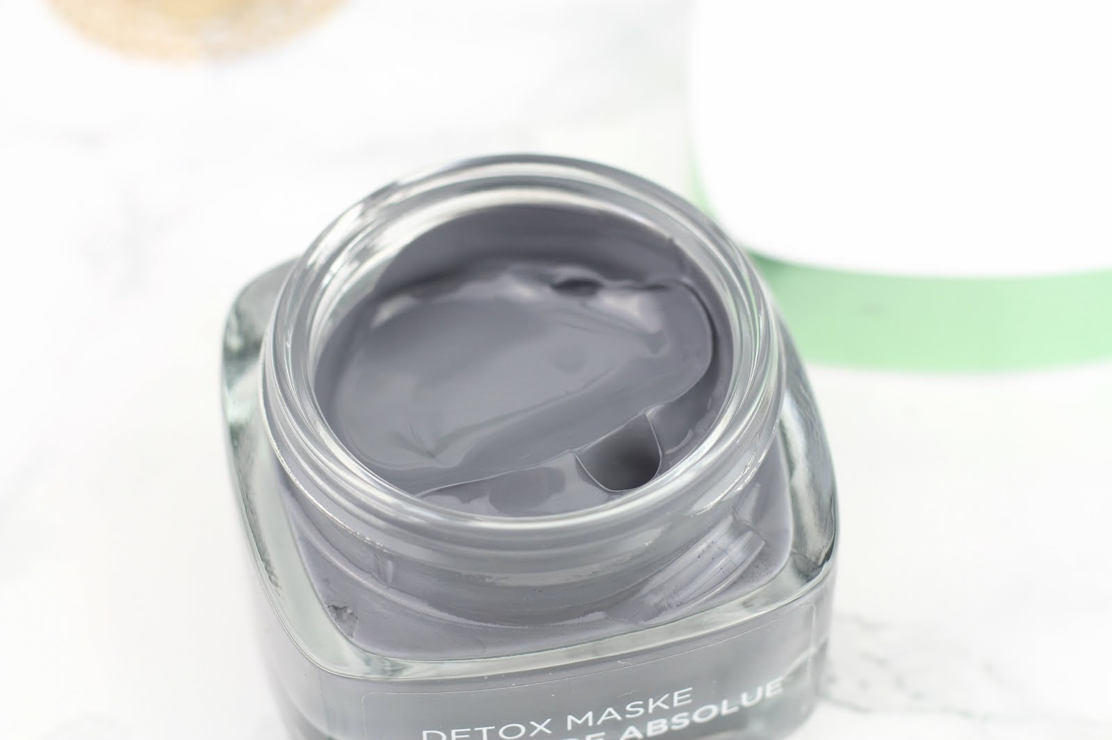loreal detox maske, loreal detox mask, loreal maske, loreal mask, loreal tonerde absolue maske, loreal tonerde absolue detox maske, loreal clay mask detox, glamglow dupe, mask against acne