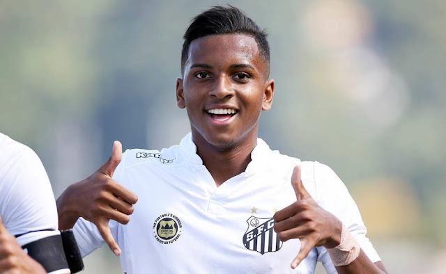 Rodrygo, do Santos, tem 17 anos e disputou seu primeiro Paulistão em 2018 e é a revelação do campeonato.