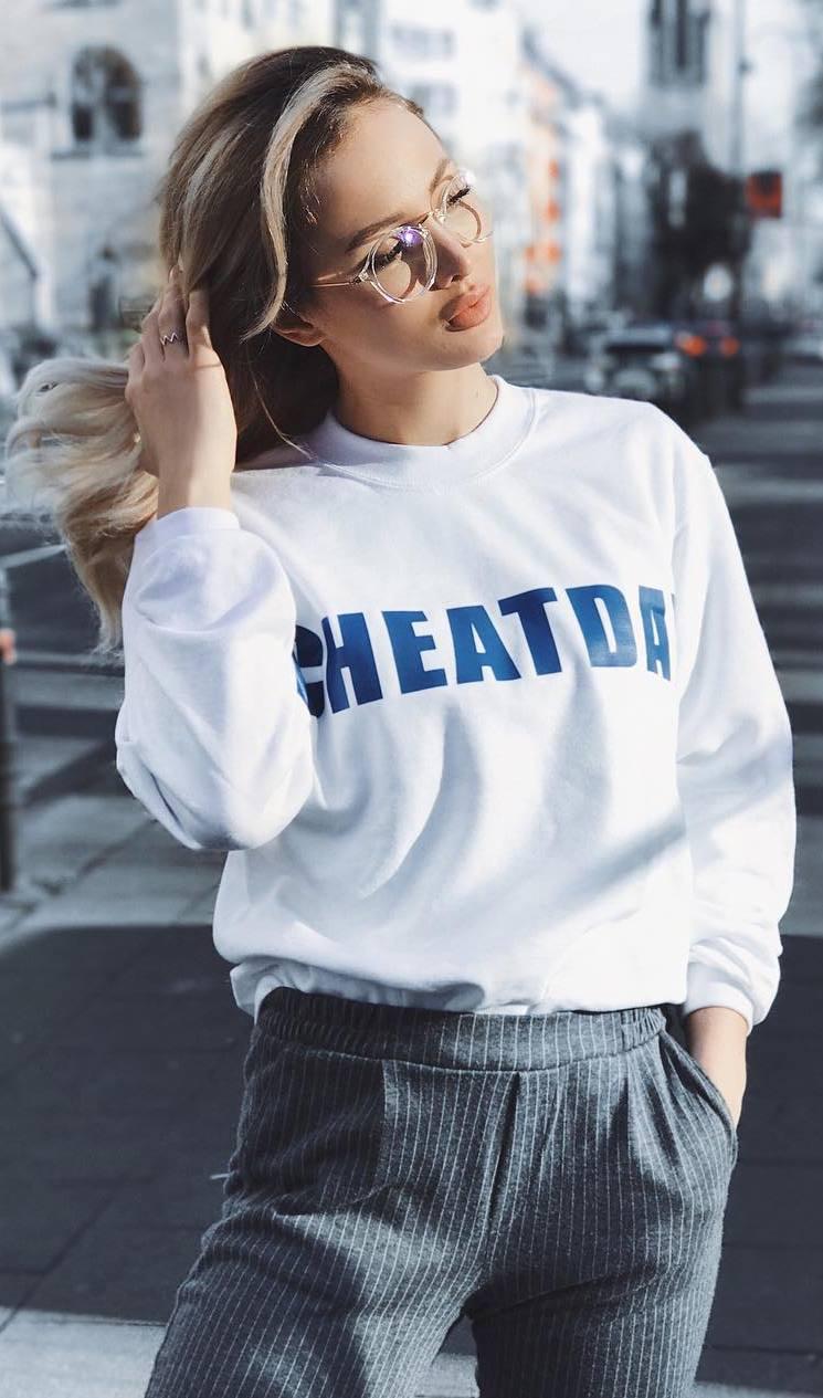 trendy ootd: sweatshirt + pants