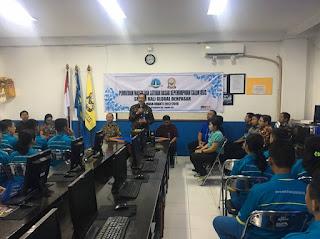 Pemberian Materi dan Latihan Dasar Kepemimpinan Siswa Calon Pengurus OSIS Masa Bhakti 2017-2018
