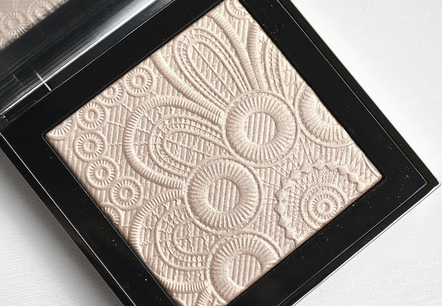 Burberry Spring Summer 2016 Runway Palette in Nude Gold Review Swatch