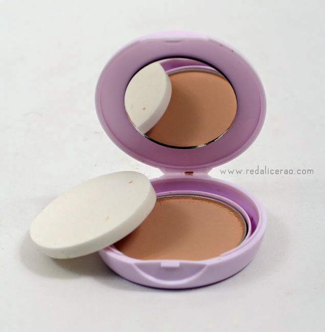 Maybelline, Maybelline New York, Shone free compact powder, Clear and Smooth Shine free Skin, Beauty Blogger, red alice rao, redalicerao, Beauty, Pakistani Beauty blog, Beauty Blog in Pakistan, Beauty products in Pakistan