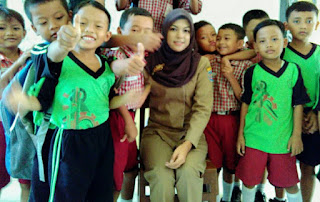 Foto-Foto Rizma, Guru SD Cantik Di Tegal Yang Bikin Kamu Pengin Jadi Muridnya
